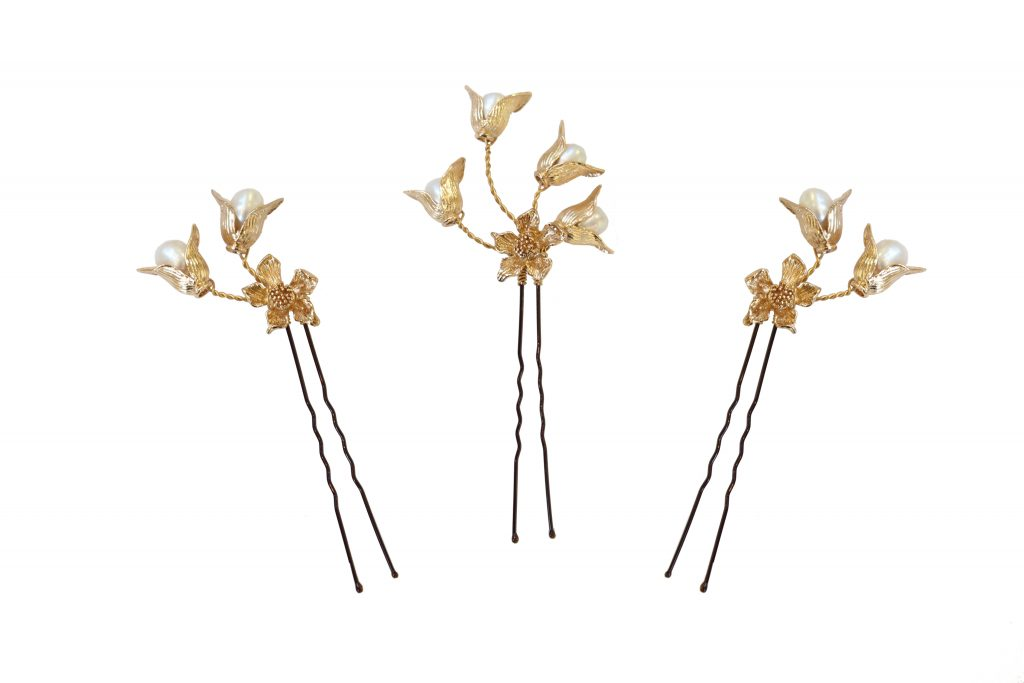 gold and pearl embellished wedding hair pins