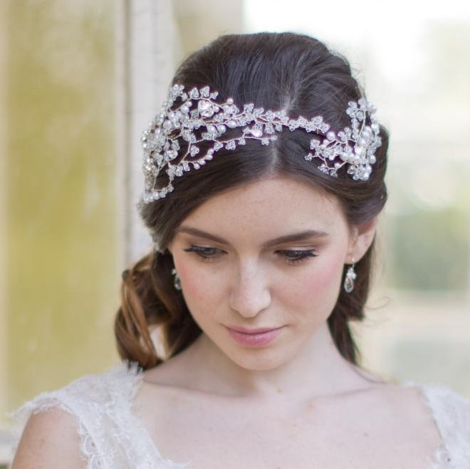 Image of Vintage pearl and crystal tiara headpiece vine - click to view