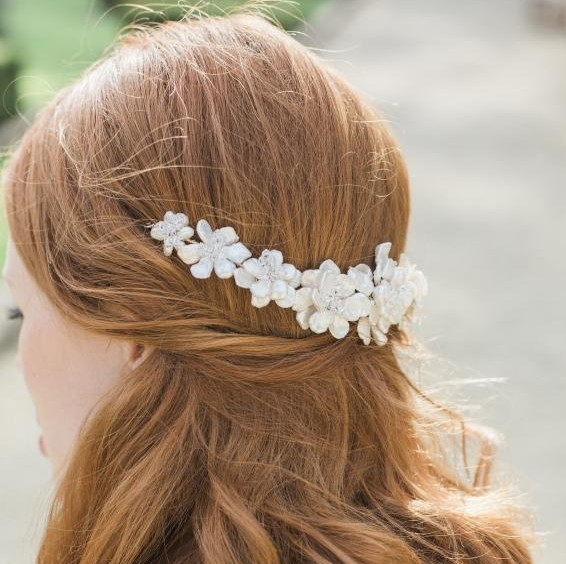 Image of pearl flower garland - click to view