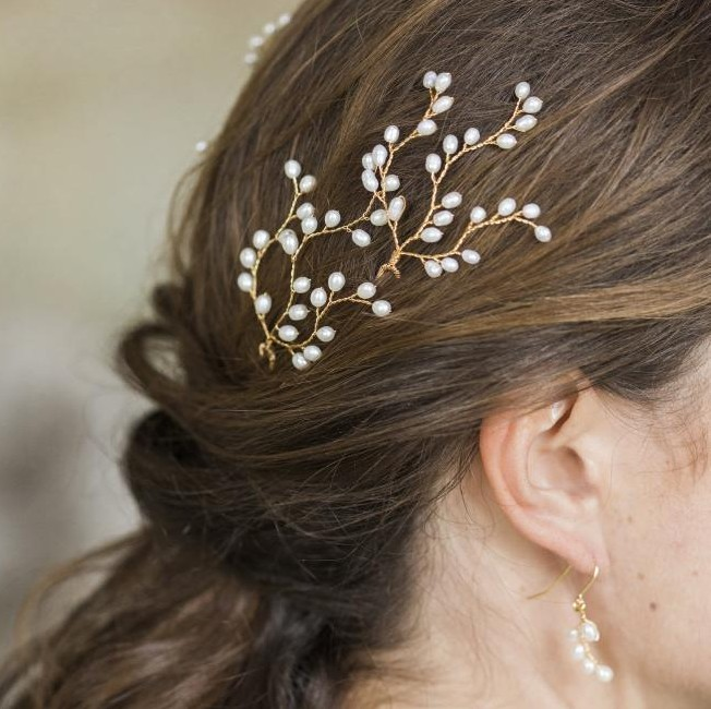 Image of Gold Lily Hairpins - click to view