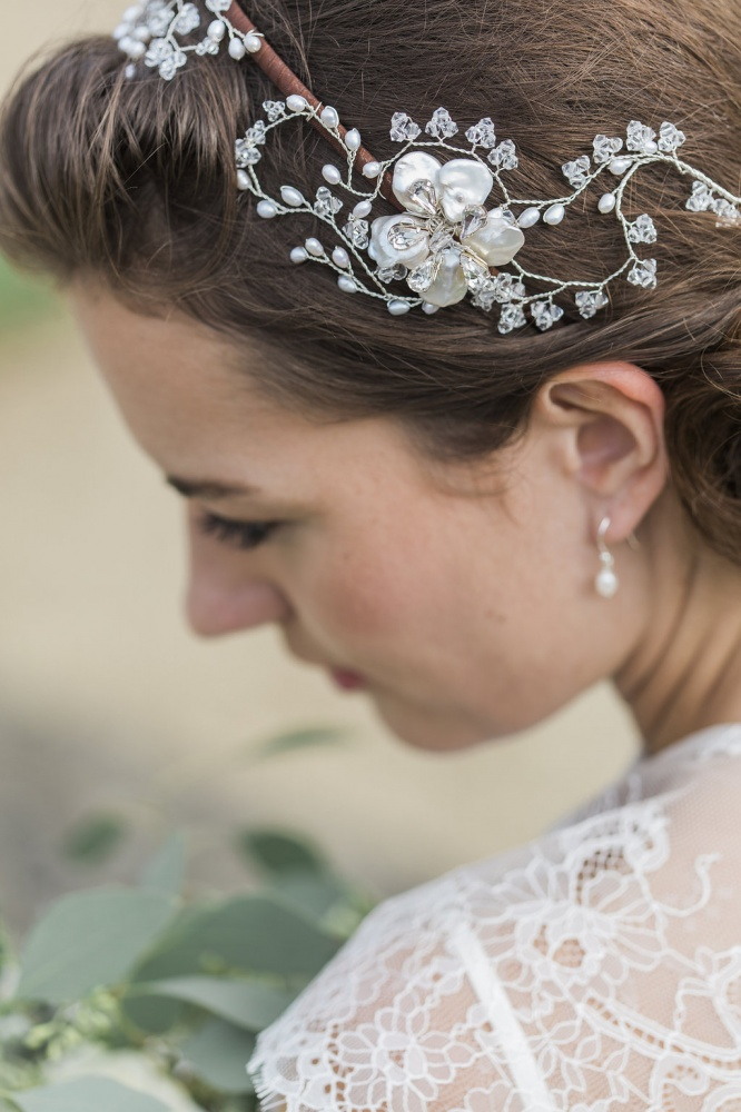 Image of Pearl and crystal vine headpiece - click to view