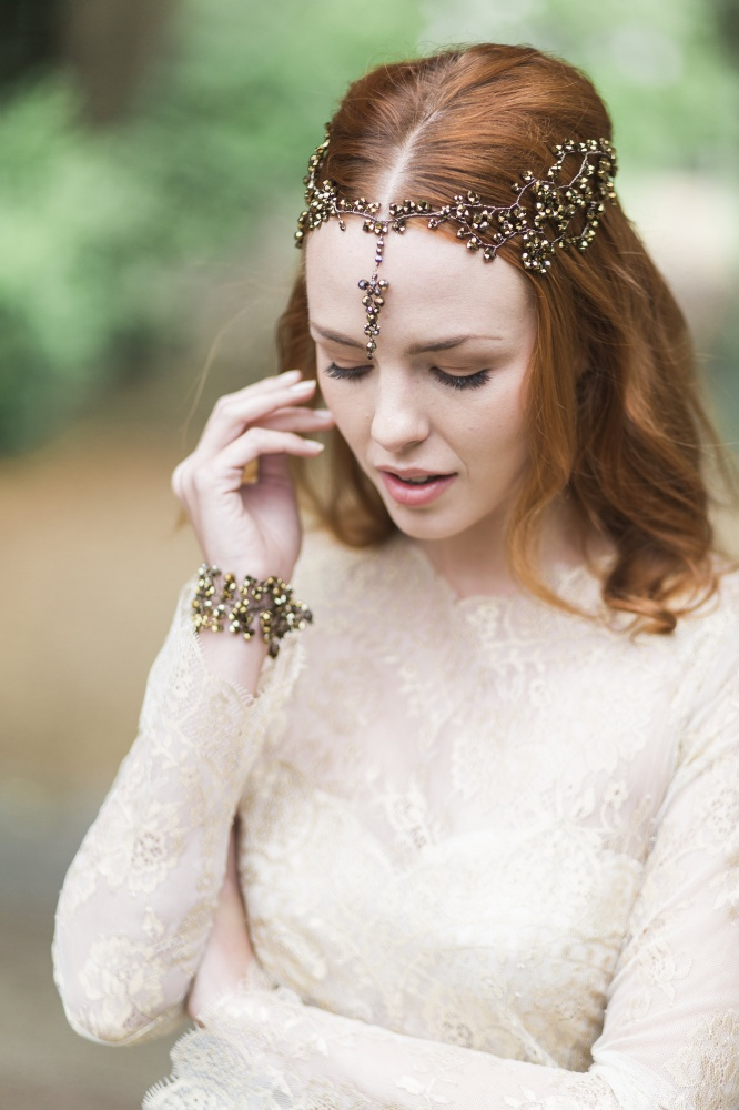 Image of Nadine Nova Gold Garland - click to view