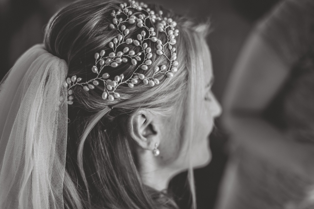 Image of Elegance Headdress - click to view