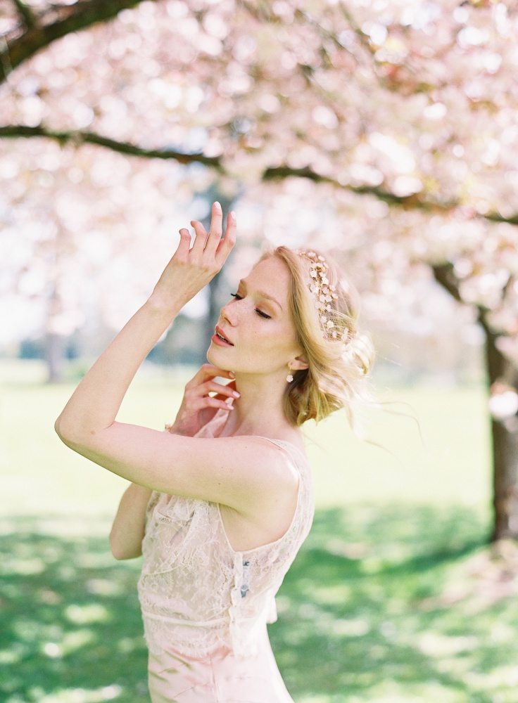 Image of blush and golden flowers cherry blossom garland - click to view