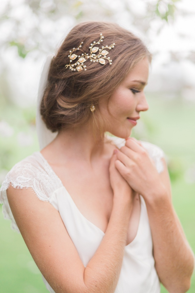 Image of golden leaves and pearl hairpins - click to view