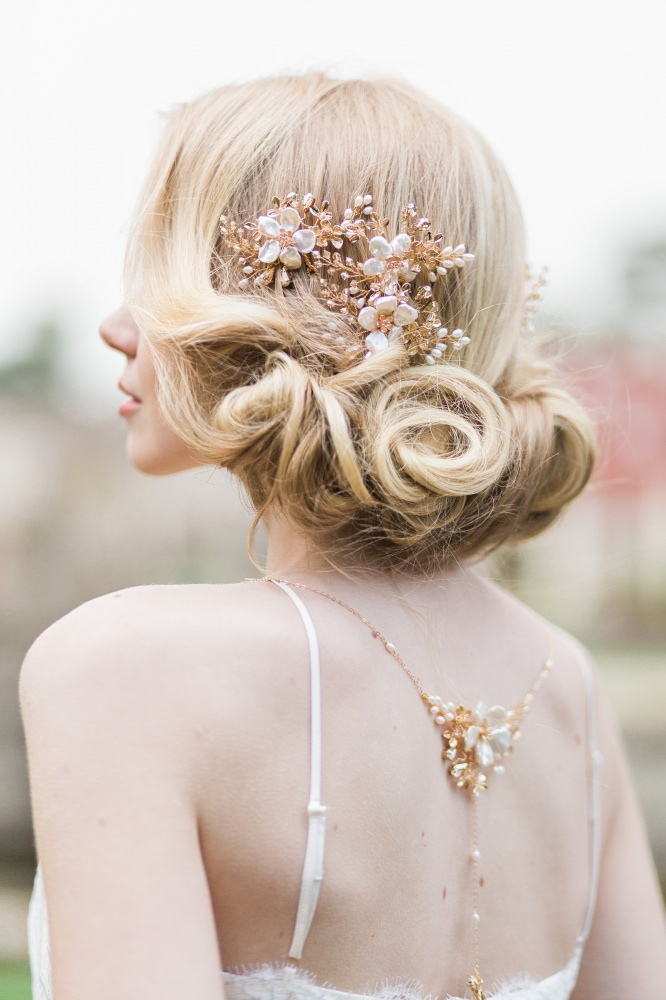 Image of flower pearl and champagne swarovski crystal hairpins - click to view