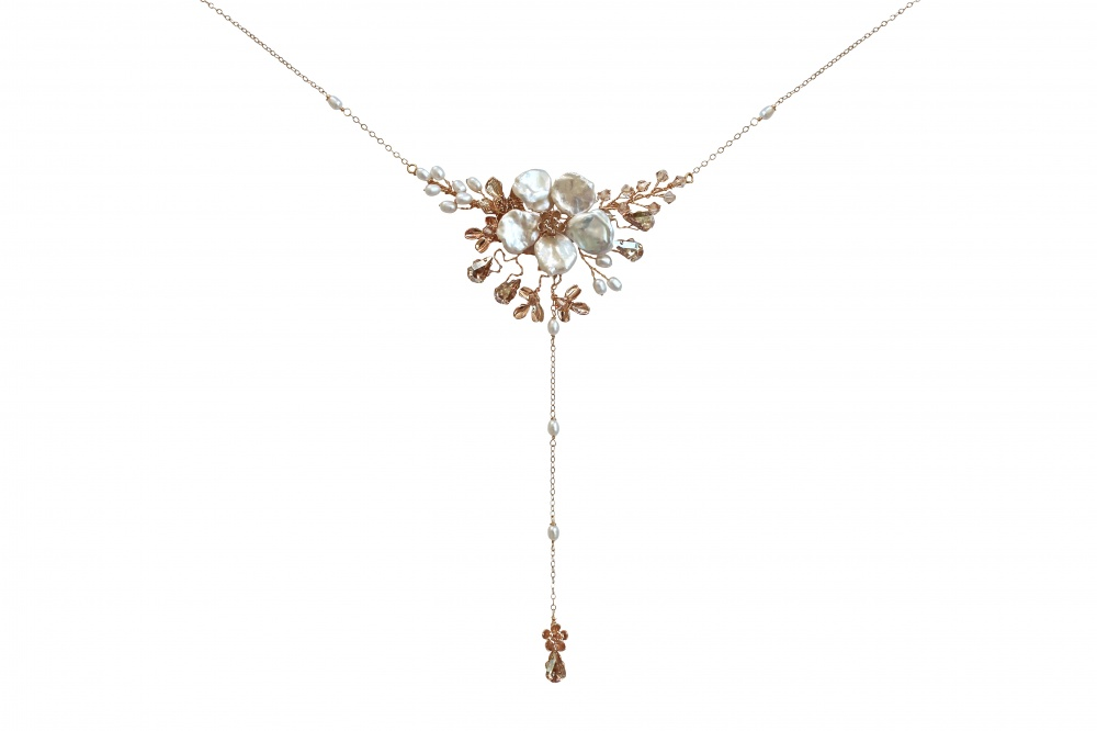 pearl flower back necklace