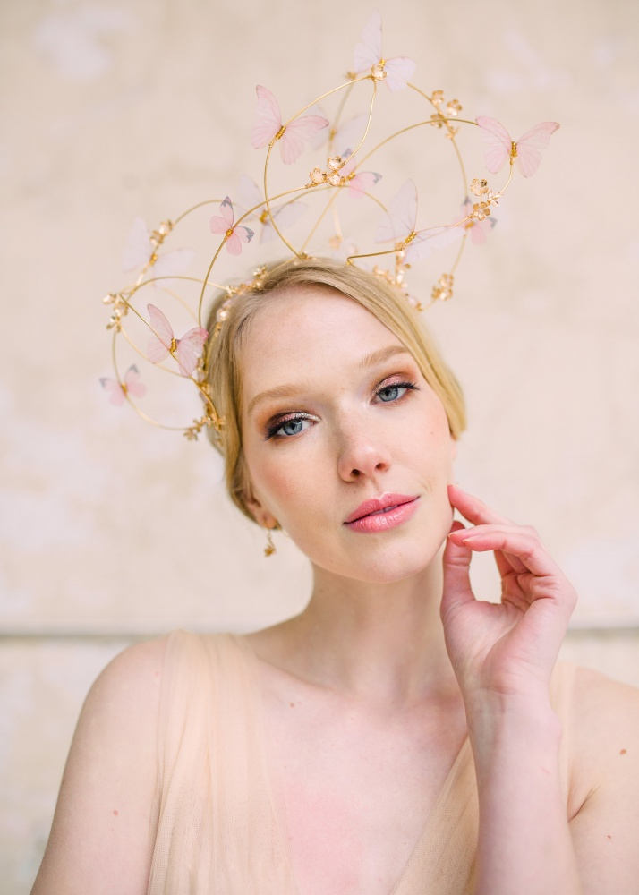 Image of chiffon butterfly and golden vine headdress - click to view