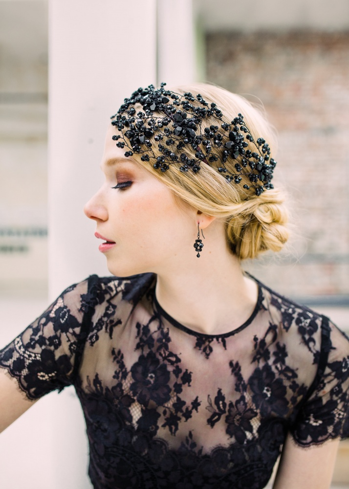 Image of black crystal flower evening headdress - click to view