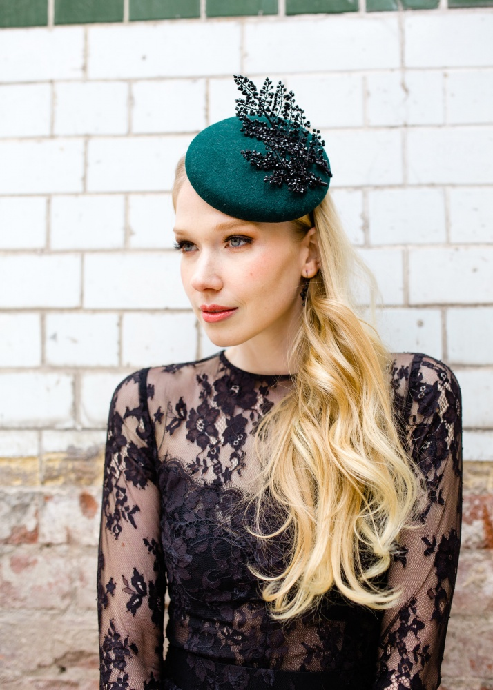 Black crystal embellished emerald green pillbox hat