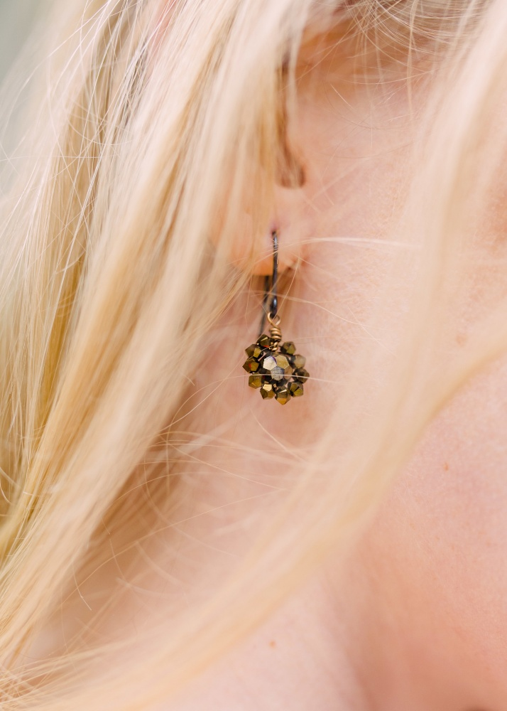 Image of gold crystal droplet earrings - click to view