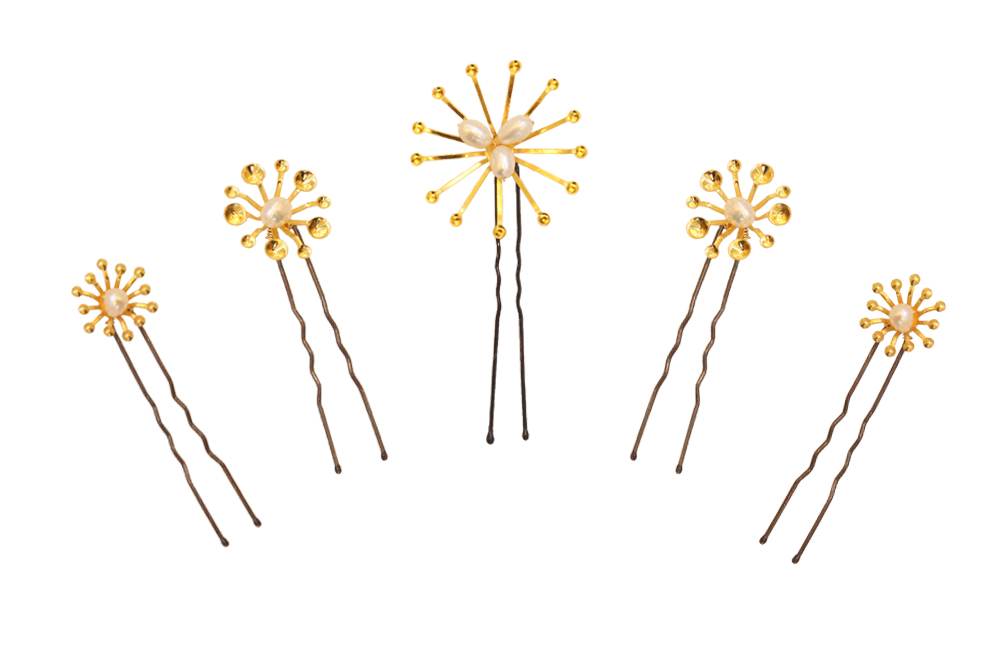 golden pearl accent different sized hairpins