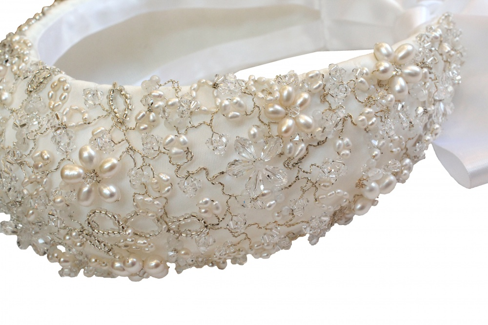 Image of Pearl and crystal detailed regal bridal headdress  - click to view