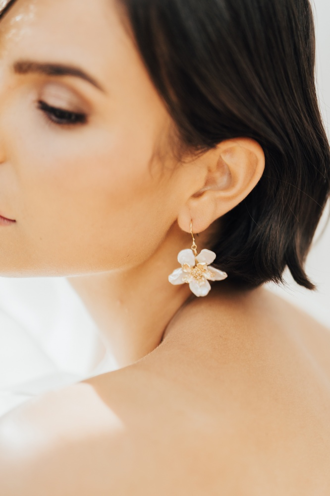 Image of Pearl and gold flower drop wedding earrings - click to view