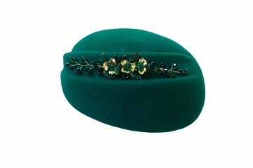 Emerald green and gold elegant pillbox hat